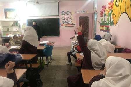 برگزاری-کلاس-آموزشی-تغذیه-سالم-در-مقابله-با-کرونا-مرکز-شیخ-احمد-کافی