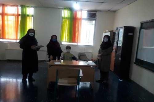 بازدید-کارشناس-مسئول-مرکز-بهداشت-جنوب-تهران-از-پایگاههای-سنجش-نوآموزان-منطقه-17