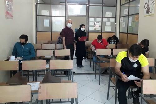 نظارت-کارشناس-بهداشت-محیط-مرکز-بهداشت-جنوب-تهران-بر-آزمون-حضوری-آموزشگاه-اصناف