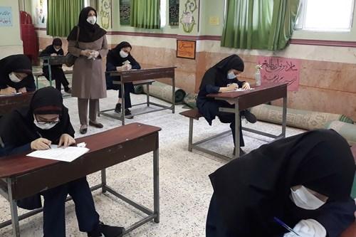نظارت-واحد-سلامت-نوجوان-جوانان-و-مدارس-مرکز-بهداشت-جنوب-تهران-بر-جلسه-امتحان-مدرسه-خسرو-خاور